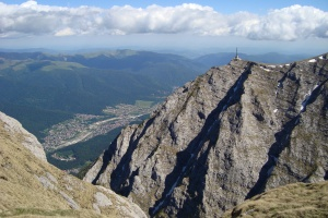 Caraiman_Cross_on_Bucegi_mountain_top