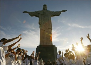 jesus-christ-largest-statue-0407