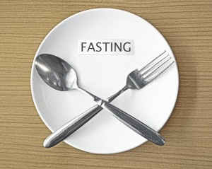 faith-fasting-white-plate-1100x879